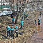 Volunteers cleaning up the Anacostia River in Washington D.C. for Earth Day. Credit: NOAA